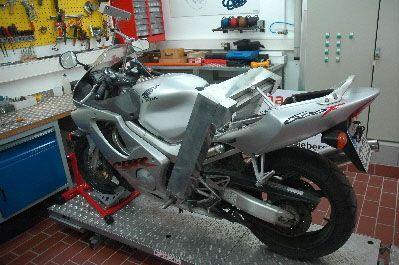Motorrad auf dem Prüfstand